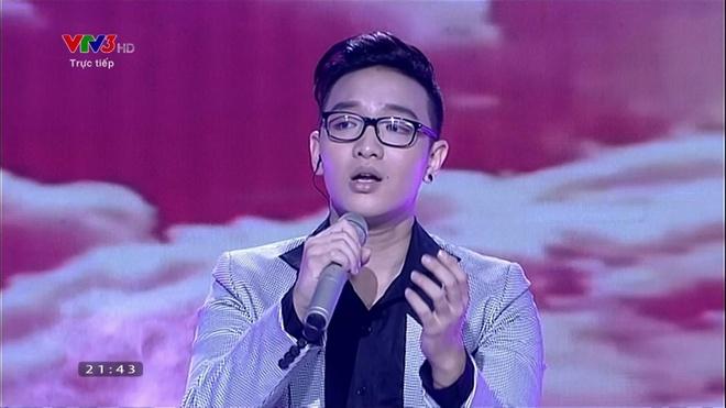 Phan trinh dien cua Hoang Dung trong Gala trao giai hinh anh