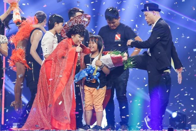 Than dong danh trong 9 tuoi dang quang Vietnam's Got Talent hinh anh 14