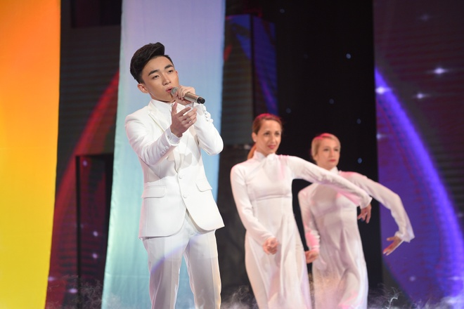 Trung Quang dang quang quan quan Than tuong bolero hinh anh 11
