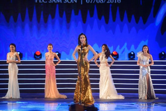 Tran Thu Ngan dang quang Hoa hau Ban sac Viet hinh anh 10