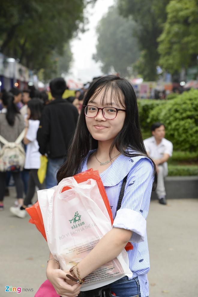 Hang nghin nguoi tham du khai mac Hoi sach 2017 hinh anh 11