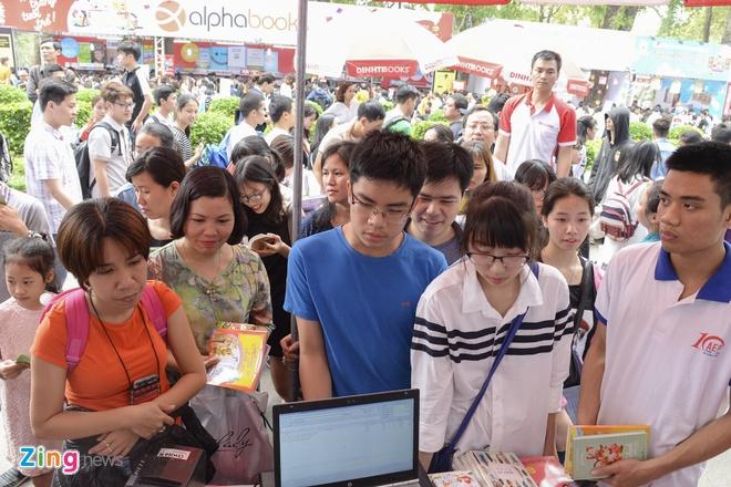 Hang nghin nguoi tham du khai mac Hoi sach 2017 hinh anh 9
