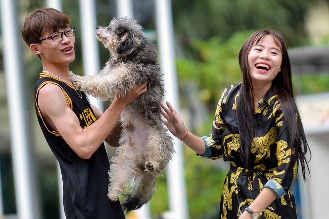 Cho khong ro mom tung tang tren pho di bo ho Guom hinh anh