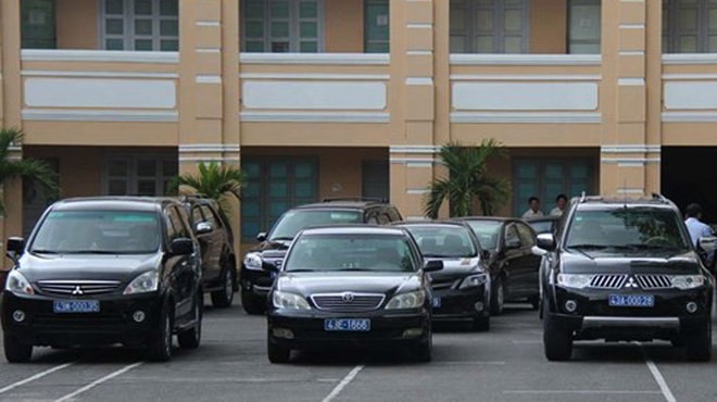 Cat giam xe cong: Bo Giao thong muon them xe hinh anh