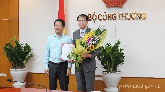 Bo Cong Thuong tiep tuc thay can bo chu chot hinh anh 1