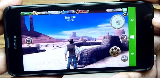 Người chơi có thể trải qua những màn đấu súng đậm phong cách cao bồi trong hơn 40 nhiệm vụ của Six Guns cùng Lumia 630.