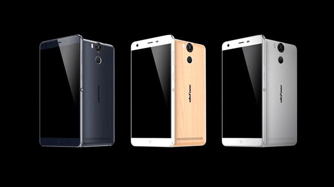 Khach hang hao huc cho mua smartphone Ule Power hinh anh 2