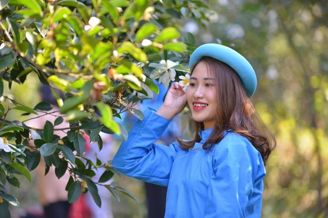 Thieu nu Binh Lieu no nuc tray hoi hoa so tai Quang Ninh hinh anh
