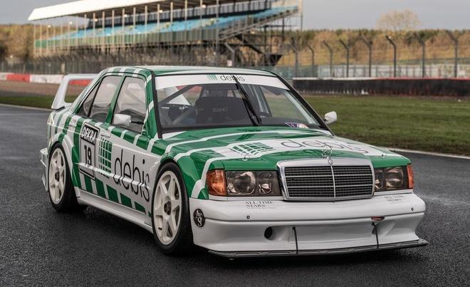 Chiec xe dua Mercedes-Benz tung khien 83 nguoi thiet mang hinh anh 13