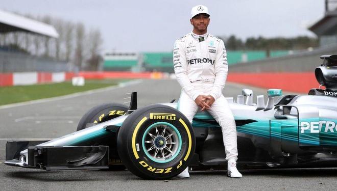 Tay dua F1 doi Ferrari che bai chien thang cua doi thu Mercedes hinh anh 6