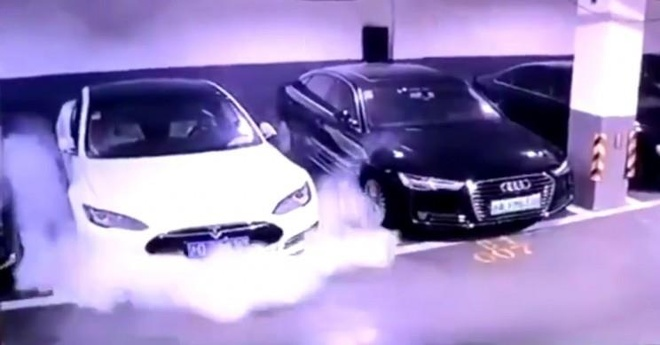 Tesla Model S lai boc chay anh 5