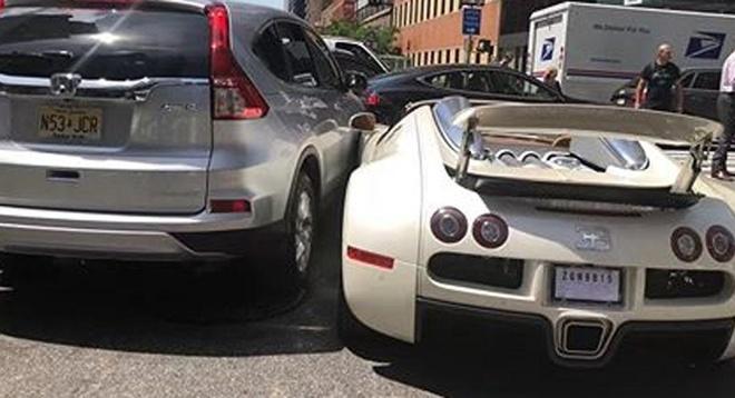 Sieu xe 2 trieu USD Bugatti Veyron vua duoc mua it phut da gap tai nan hinh anh 6