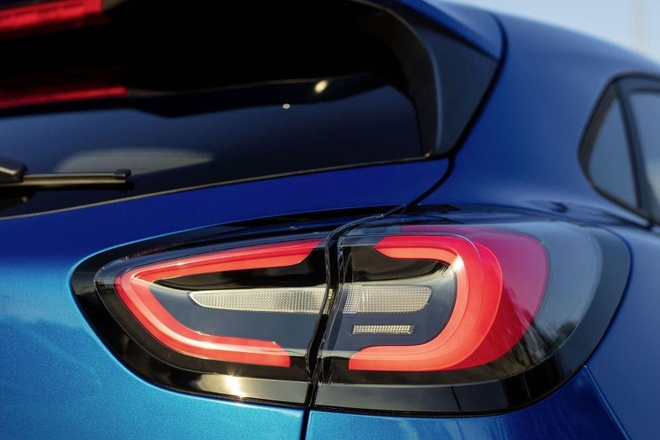 Crossover co nho Ford Puma ra mat, anh em cua Fiesta va EcoSport hinh anh 6