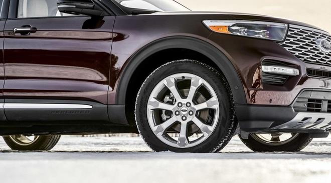 So gia cao, Ford khong dung khung gam nhom cho Explorer 2020 hinh anh 1