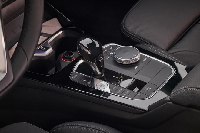 BMW 1-Series 2020 lo dien, dan dong cau truoc, noi that rong hon hinh anh 8