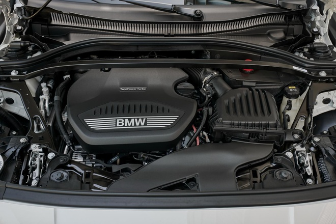 BMW 1-Series 2020 lo dien, dan dong cau truoc, noi that rong hon hinh anh 5