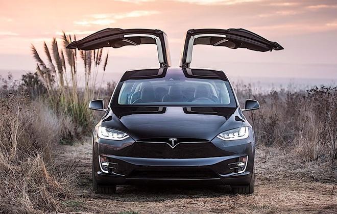 Co moi noi cu, Tesla khien khach hang phan no hinh anh 6