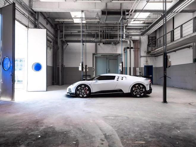 Bugatti ra mat sieu xe Centodieci anh 5