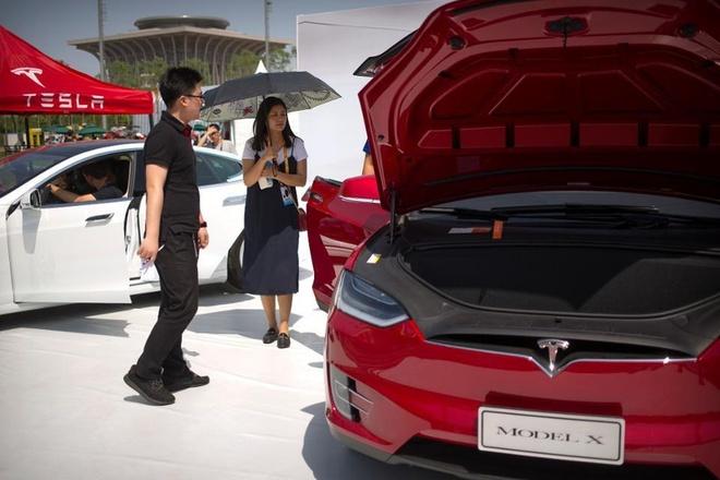 xe dien Tesla giam gia manh tai Trung Quoc anh 2
