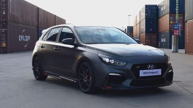 Hatchback moi Hyundai i30 N Project C lo dien, phu kin soi carbon hinh anh 7