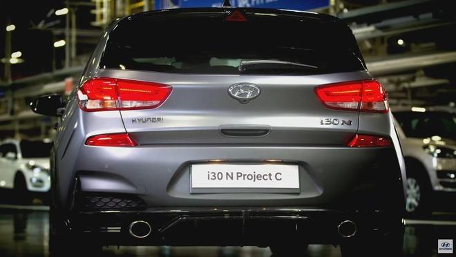 Hatchback moi Hyundai i30 N Project C lo dien, phu kin soi carbon hinh anh 3
