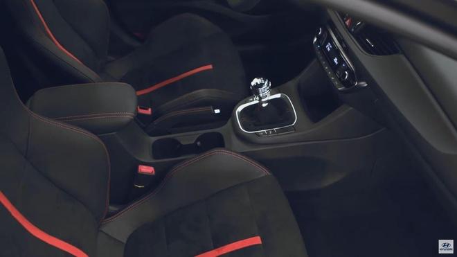 Hatchback moi Hyundai i30 N Project C lo dien, phu kin soi carbon hinh anh 5