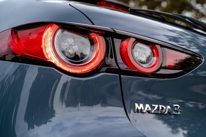 Mazda 3 2020 them trang bi an toan chu dong, ke ca ban tieu chuan hinh anh 3