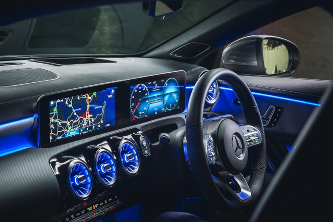 Mercedes CLA 250 va AMG CLA 35 2020 len ke, nhieu cong nghe an toan hinh anh 2