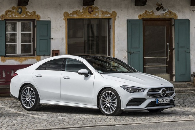 Mercedes CLA 250 va AMG CLA 35 2020 len ke, nhieu cong nghe an toan hinh anh 1