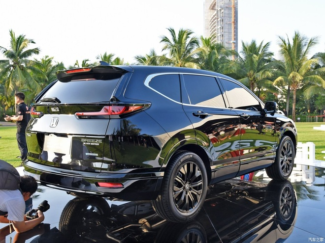 SUV moi Honda Breeze 2020 ra mat - lai giua CR-V va Accord hinh anh 2