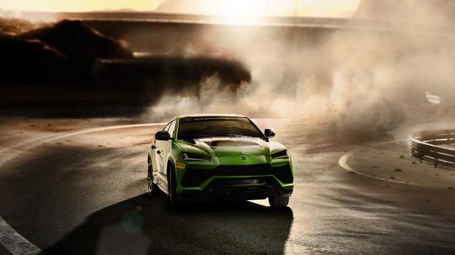 Sieu SUV the thao Lamborghini Urus ban xe dua lo dien hinh anh 4