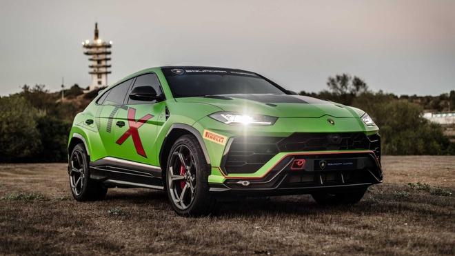 Sieu SUV the thao Lamborghini Urus ban xe dua lo dien hinh anh 2