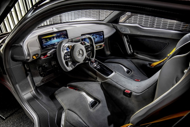 Sieu xe Mercedes AMG One giao hang dau nam 2021 hinh anh 2