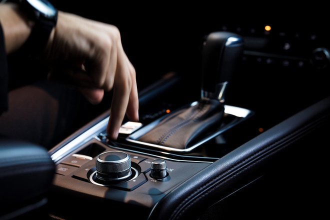 Danh gia Mazda CX-5 2020 - hoi chat choi, nhieu tinh nang, gia hop ly hinh anh 19 central_console_carbuzz_661666_1600.jpg