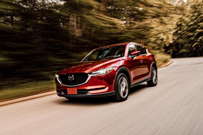 Danh gia Mazda CX-5 2020 - hoi chat choi, nhieu tinh nang, gia hop ly hinh anh 6 front_view_driving_carbuzz_661682_1600.jpg