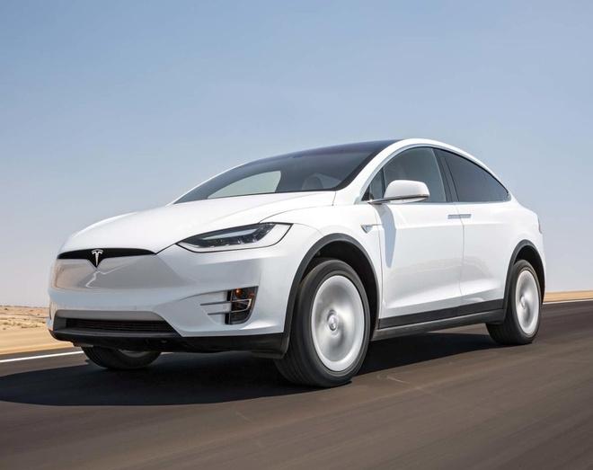 Xe Tesla tu tang toc, 23 nguoi bi thuong hinh anh 2 668572.jpg