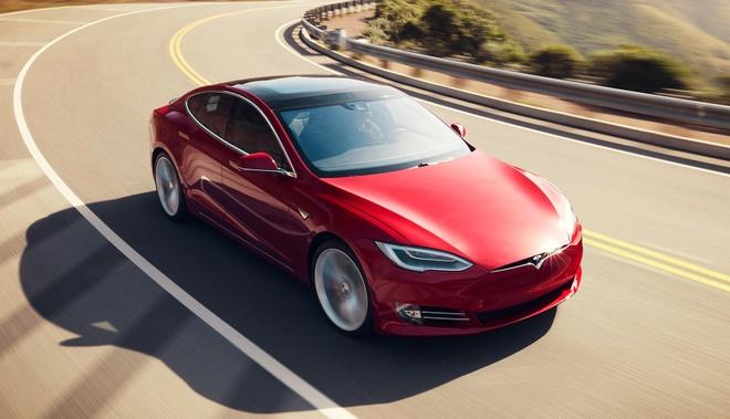 Xe Tesla tu tang toc, 23 nguoi bi thuong hinh anh 1 668574.jpg