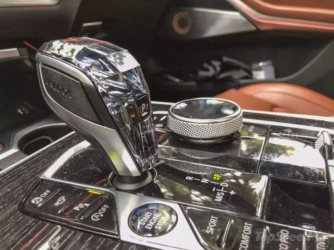 Danh gia BMW X7 2020 – dung chat SUV hang sang nuoc Duc hinh anh 36 bmw_x7_driven_15_1600x0.jpg