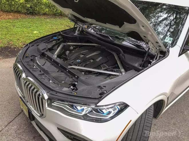 Danh gia BMW X7 2020 – dung chat SUV hang sang nuoc Duc hinh anh 31 bmw_x7_driven_30_1600x0_1.jpg