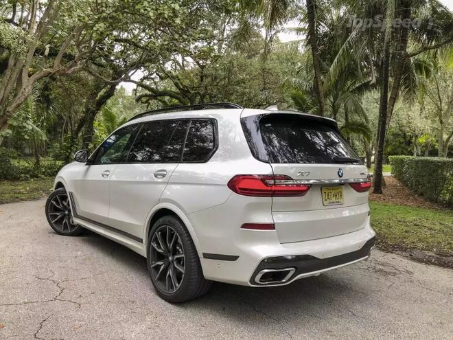 Danh gia BMW X7 2020 – dung chat SUV hang sang nuoc Duc hinh anh 4 bmw_x7_driven_3_1600x0.jpg