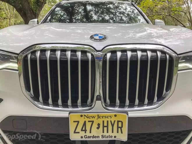 Danh gia BMW X7 2020 – dung chat SUV hang sang nuoc Duc hinh anh 8 bmw_x7_driven_48_1600x0.jpg