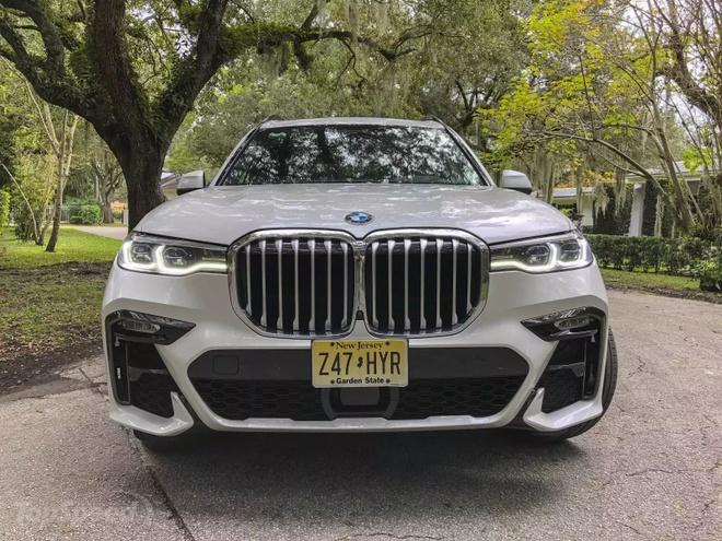 Danh gia BMW X7 2020 – dung chat SUV hang sang nuoc Duc hinh anh 1 bmw_x7_driven_4_1600x0.jpg