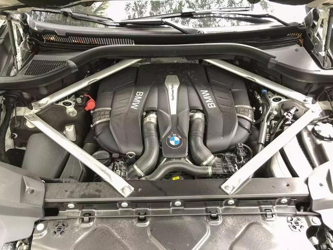 Danh gia BMW X7 2020 – dung chat SUV hang sang nuoc Duc hinh anh 30 bmw_x7_driven_51_1600x0.jpg
