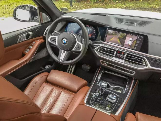 Danh gia BMW X7 2020 – dung chat SUV hang sang nuoc Duc hinh anh 20 bmw_x7_driven_59_1600x0.jpg