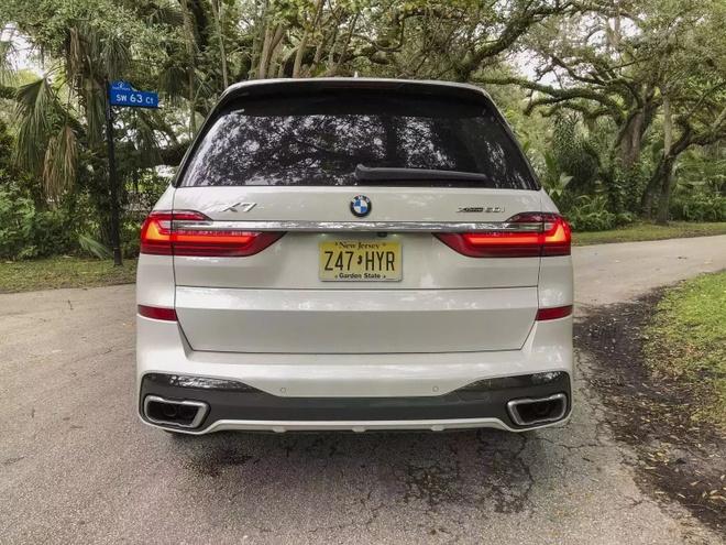 Danh gia BMW X7 2020 – dung chat SUV hang sang nuoc Duc hinh anh 2 bmw_x7_driven_5_1600x0.jpg