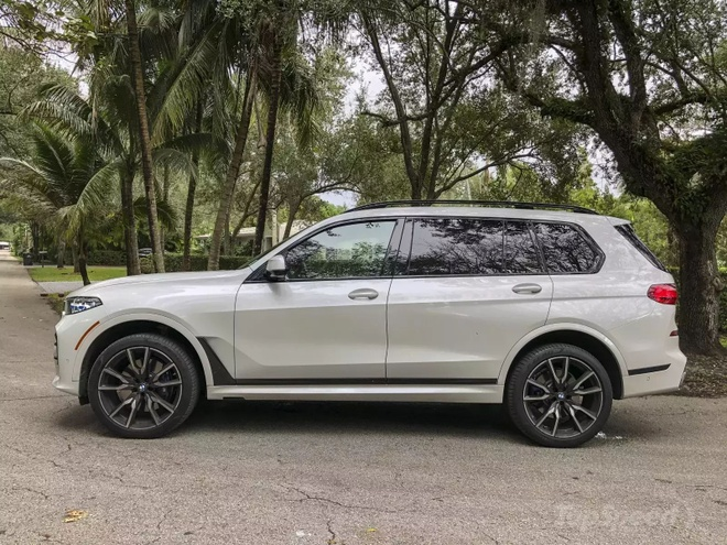Danh gia BMW X7 2020 – dung chat SUV hang sang nuoc Duc hinh anh 5 bmw_x7_driven_6_1600x0.jpg