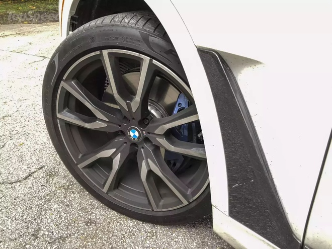Danh gia BMW X7 2020 – dung chat SUV hang sang nuoc Duc hinh anh 29 bmw_x7_driven_93_1600x0.jpg