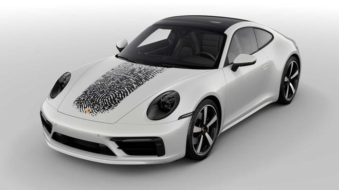 In dau van tay len nap capo Porsche 911, chu xe ton 8.100 USD hinh anh 3 porsche_911_with_fingerprint_4_.jpg