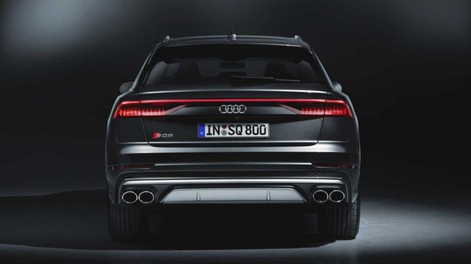 Audi SQ8 2020 chat the thao, gia tu 89.000 USD hinh anh 8 eae01d03_2020_audi_sq8_iaa_livepics_28.jpg
