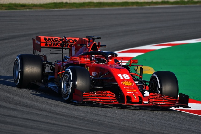 Doi dua Ferrari F1 bi doi thu tay chay giua lum xum gian lan hinh anh 2 ferrari_under_suspicion_for_engine_cheating_f1_1.jpg